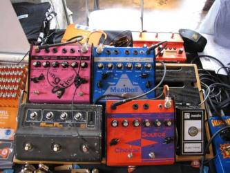 Reverb.com board with vintage pedals at the 2016 Brooklyn Stompbox Exhibit